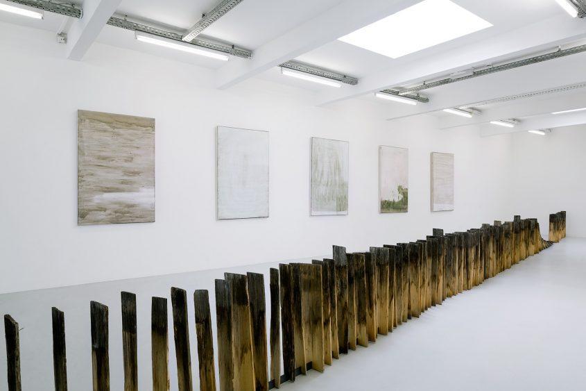 Ausstellungsansicht 2 // set in motion //  Kunstraum Innsbruck // 2015