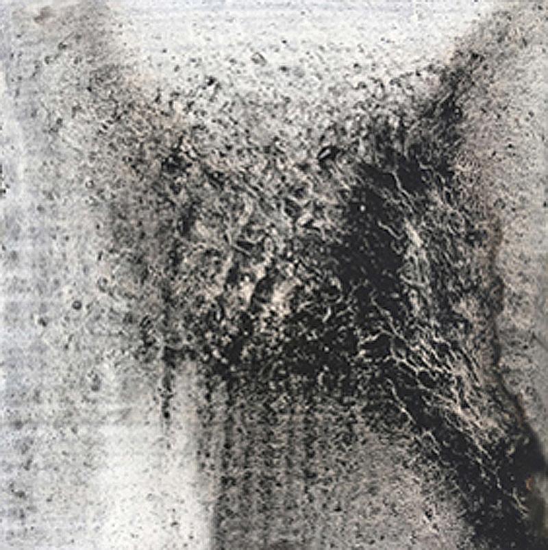 Untitled 7 // Ruß aus Erdöl in Eitempera auf Leinwand // 18 x 18 cm // 2018